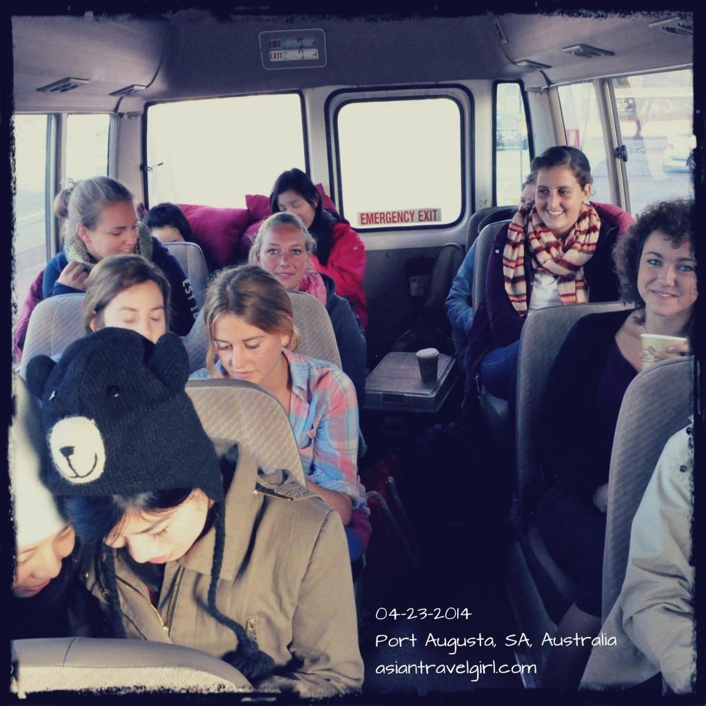 雖然早上天氣很冷, 大家精神還是很好, 笑嘻嘻的~