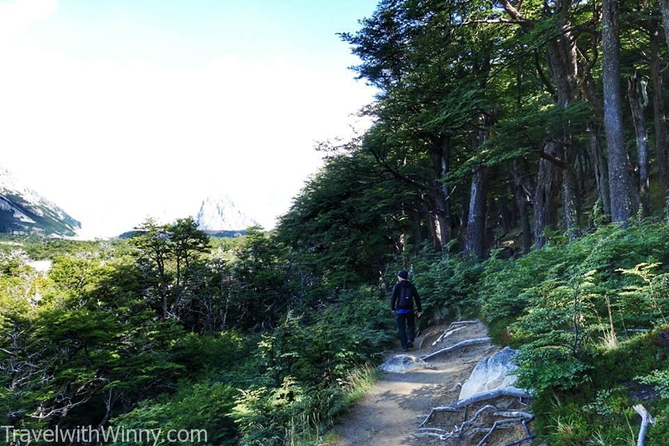 雖然步道才九公里, 但是路上的風景非常多樣化.