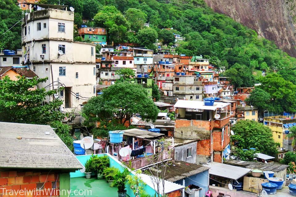 Favela, water tank.