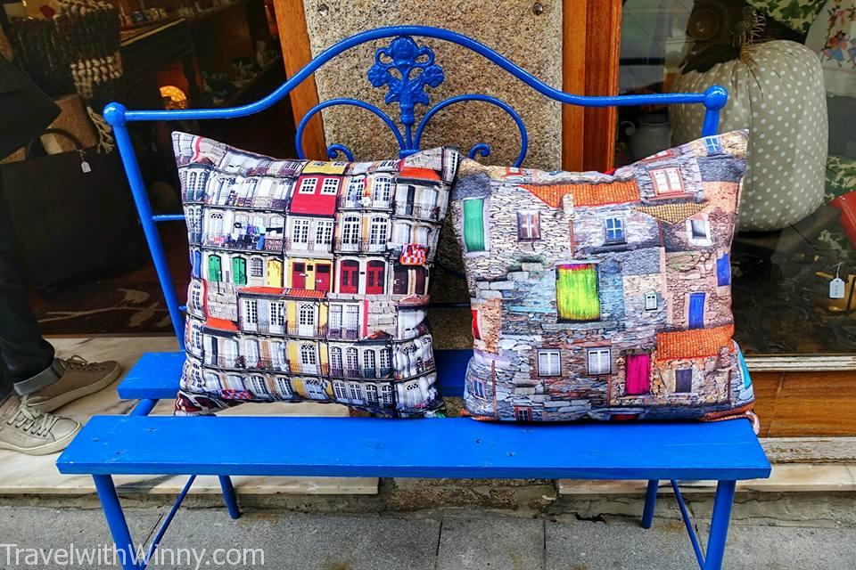Porto chair and pillow