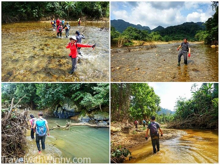 river crossing 涉水過河