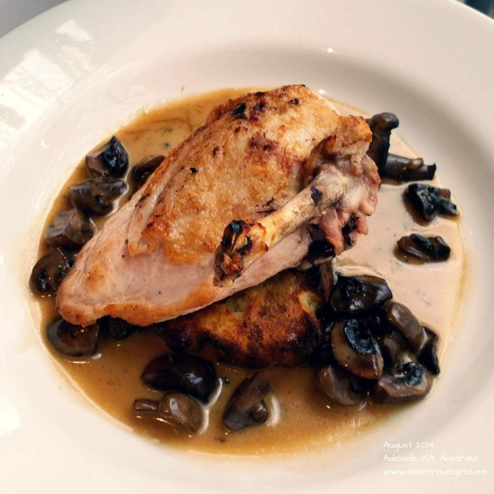 Free range chicken with mushroom