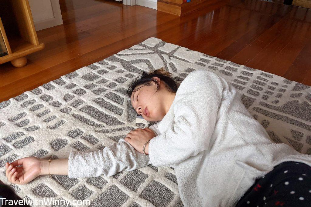 女人睡覺WOMAN SLEEPING 懷孕初期