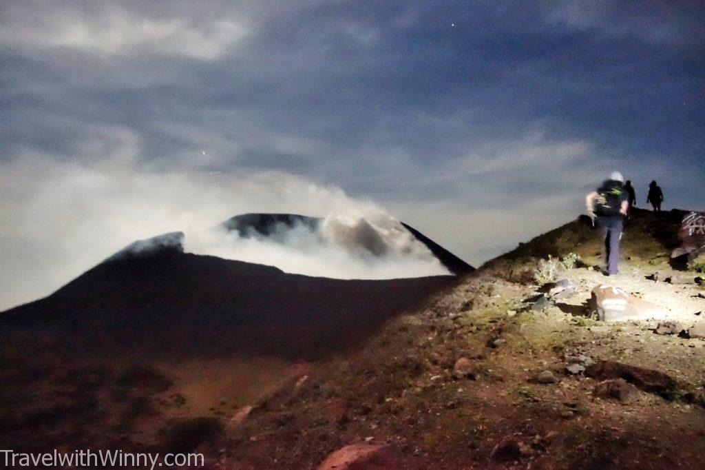 Telica volcano 特利卡火山 nicaragua 尼加拉瓜 full moon 滿月
