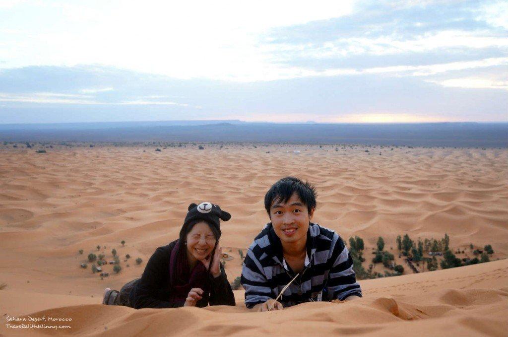 我們一路上一直自拍, 可是當沙子吹到眼睛裡面就不好玩了.