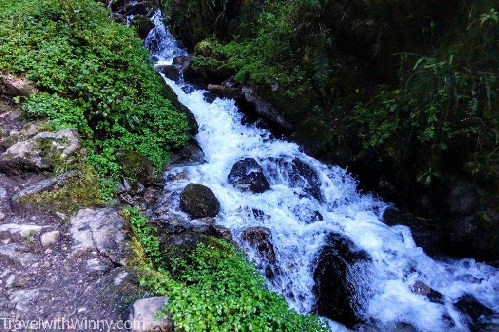 river 河流