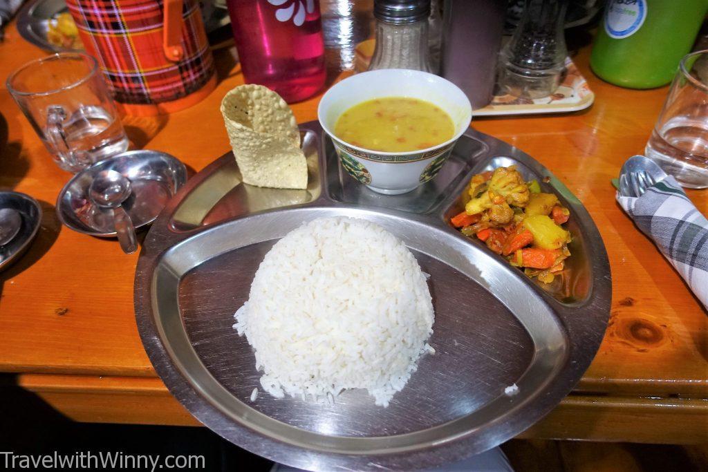 尼泊爾主食 dal bhat達八