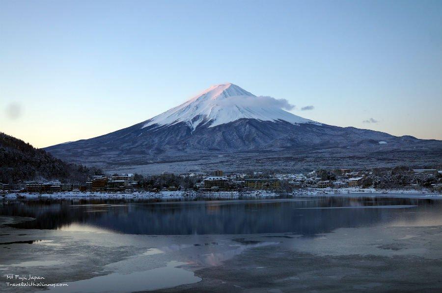 Mirror reflection of Mt. Fuji 富士山 日出 逆富士