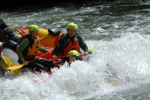 World's highest White Water Rafting at Rotorua (7 meters!)
