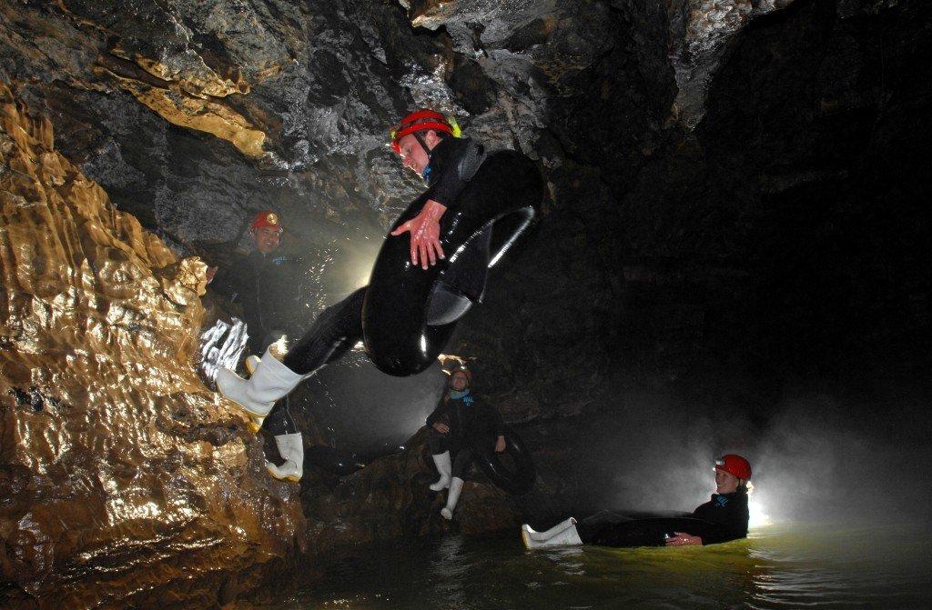 waitomo 紐西蘭 螢火蟲洞 黑水漂流