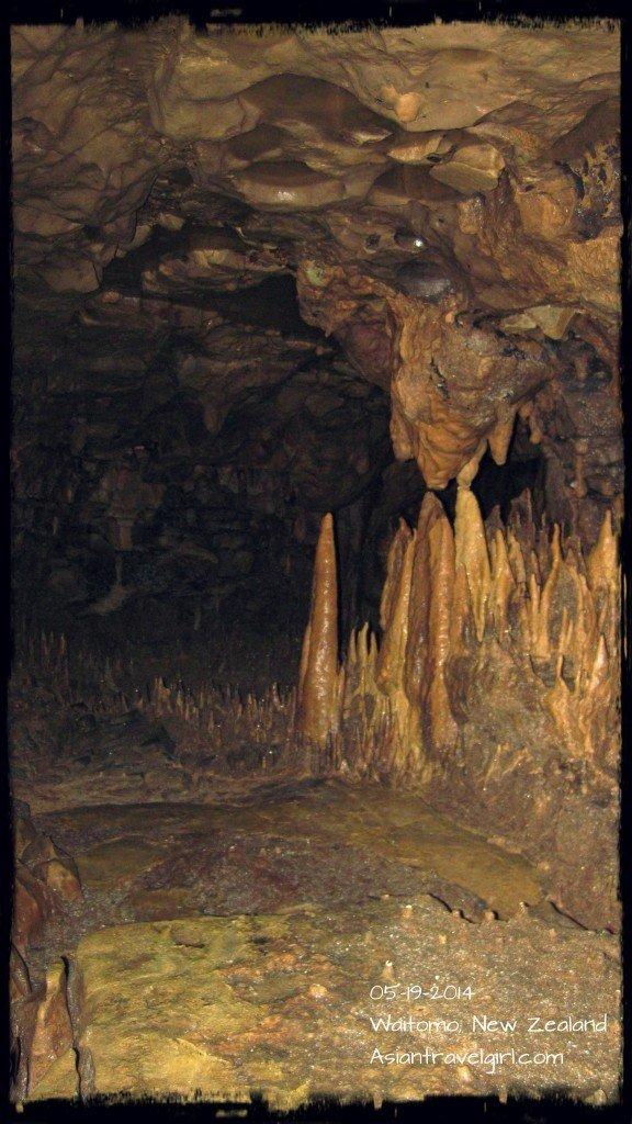 洞內都是鐘乳石